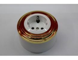 Пластиковая розетка с з/к, со шторками (белый механизм, золотая рамка, белый стакан)
