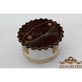 """Комбинированная распаячная коробка с фигурной крышкой, """"Шоколад"""", подрозетник береза"""