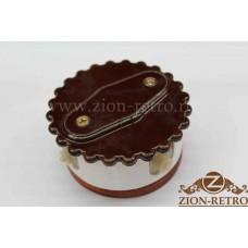 """Комбинированная распаячная коробка с фигурной крышкой в стиле ретро, """"Шоколад"""", подрозетник вишня"""