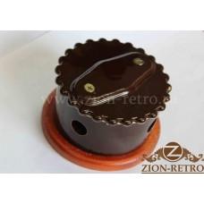 """Распаячная коробка с фигурной крышкой в стиле ретро, """"Шоколад"""", подрозетник вишня"""