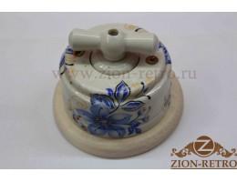 Выключатель двухклавишный с керамической ручкой бантик, «Лазурь», подрозетник береза