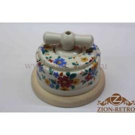 Выключатель одноклавишный (проходной) с керамической ручкой бантик, «Ситец», подрозетник береза