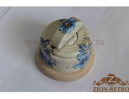Выключатель одноклавишный (проходной) с керамической ручкой полумесяц, «Лазурь», подрозетник береза
