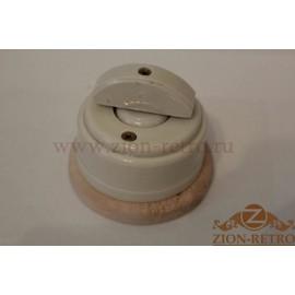 Выключатель одноклавишный (проходной) с керамической ручкой полумесяц, «Слоновая кость», подрозетник береза